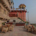 Paleishotel aan de Ganges in Varanasi