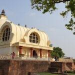 Mahaparinirvana-temple Kushinagar - plaats waar de Boeddha overleed © Maarten Olthof