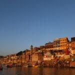 Boeddhistische pelgrimstocht per trein - India en Nepal: de trein doet ook Varanasi aan © Harry Dijken