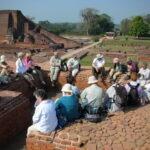 Ruïnes van de boeddhistische kloosteruniversiteit Nalanda met Maarten Olthof