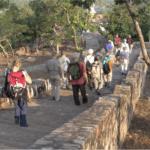 Te voet naar de Gierenpiek in Rajgir © Maarten Olthof